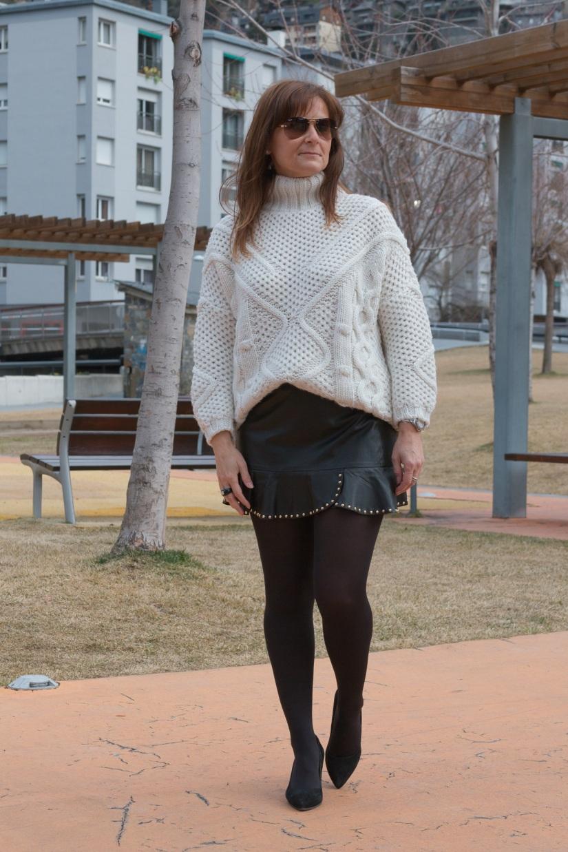 Falda Tachuelas-3