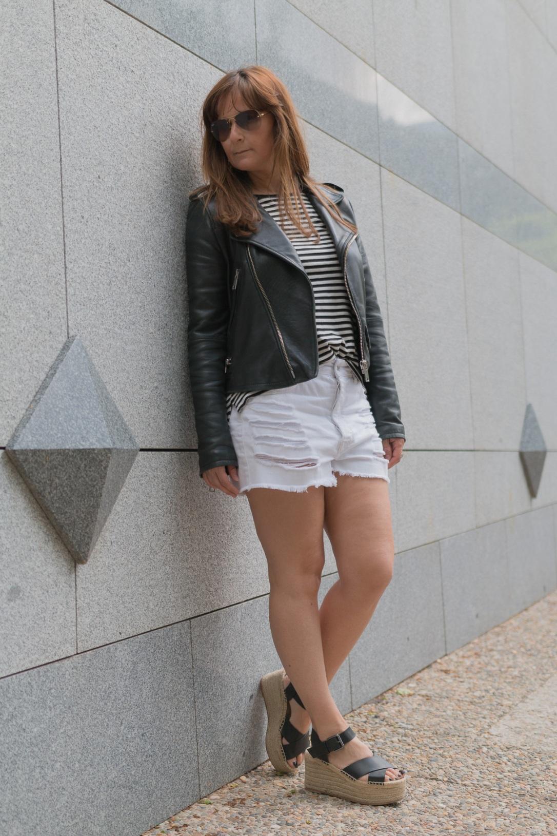 Pantalon Corto-1